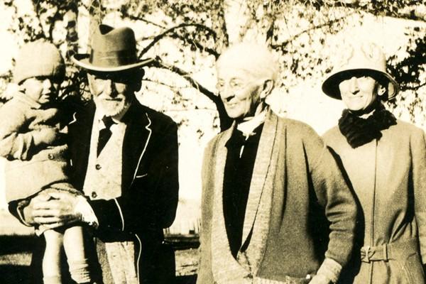 Photo c.1928-29 shows L→R: Victor Johnston, David Johnston, Margaret Jane Johnston nee Black and Alice Maude Mary Johnston at Ellenthorpe