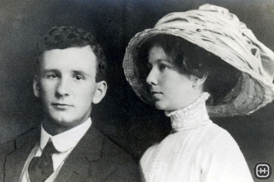 Photograph of Reginald George Williamson and his wife Lucy Jane Cleary probably taken on their wedding day, 30th July 1912