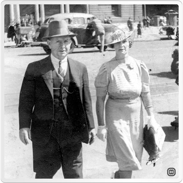 Photo of Dorothy May Clingan (Morris) with Charles Peachey at Circular Quay
